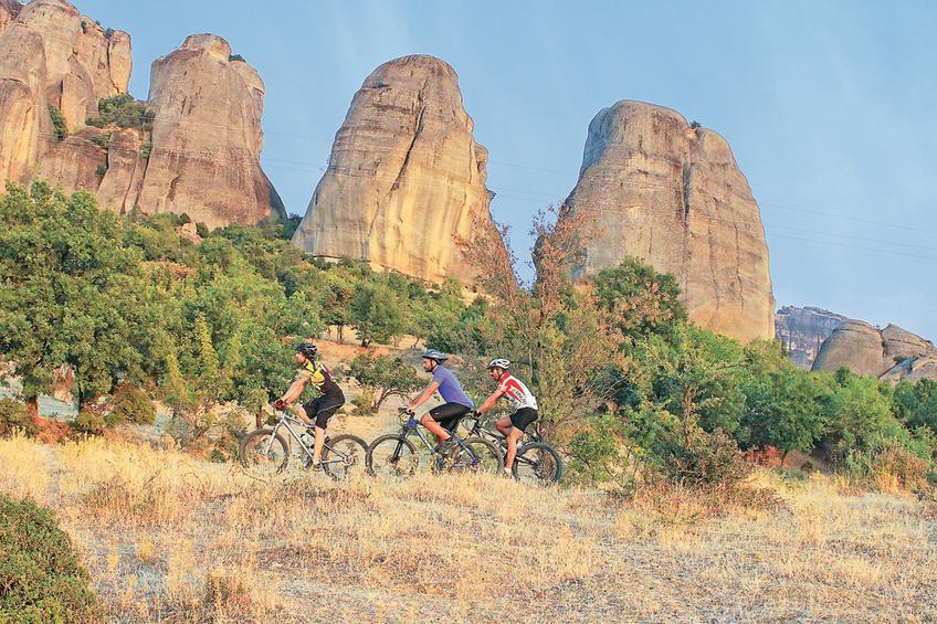 Ποδηλασία βουνού με οδηγό στα Μετέωρα – Infotourist Meteora 596d45f598e